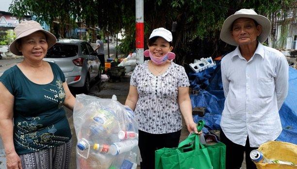 """Dự án """"Tăng cường vai trò của phụ nữ thông qua các giải pháp cho ô nhiễm rác thải nhựa thông qua các hoạt động tái chế bền vững"""""""