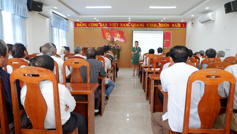 Tập huấn tuyên truyền bảo vệ đa dạng sinh học biển và giảm thiểu rác thải nhựa ngoài đại dương cho ngư dân quận Sơn Trà