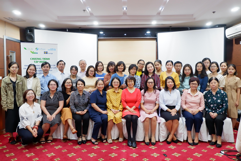 """Chương trình tập huấn: """"Tăng cường Năng lực Lãnh đạo của tổ chức phụ nữ về Lồng ghép giới trong Vận động chính sách và Biến đổi Khí hậu"""""""